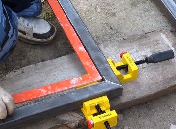 Изготовление распашных ворот своими руками