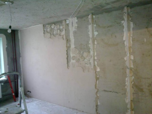 Как выровнять стены в доме своими руками