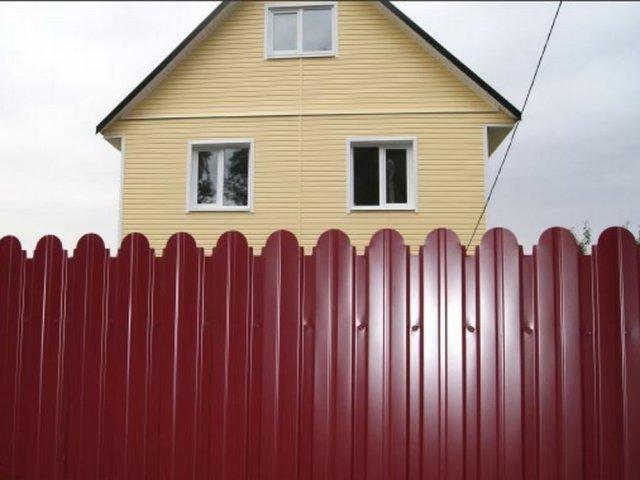 Сделать забор из профнастила
